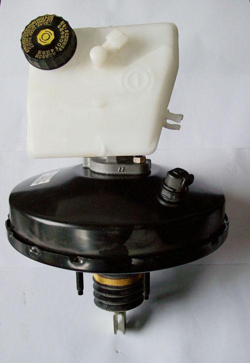 助力器,刹车总泵 吉林汽车制动器厂高清图片